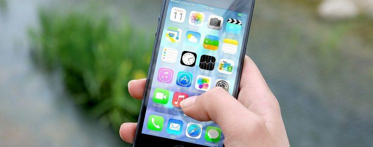 Zalany smartfon. Co zrobić po zalaniu telefonu? Ile kosztuje naprawa?